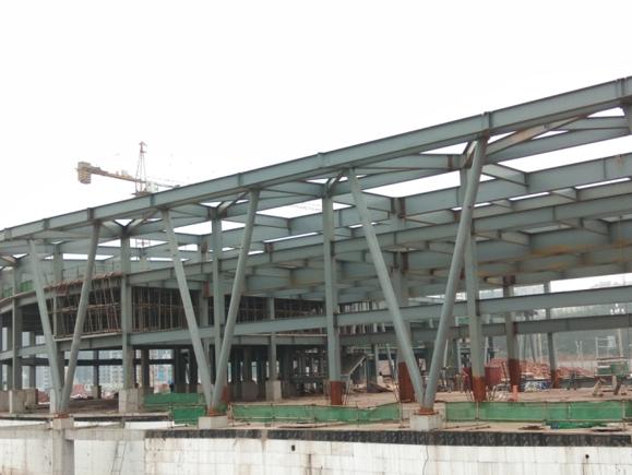 长宁高铁站钢结构施工